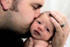 1111660_dad_and_newborn_baby_boy_2.jpg